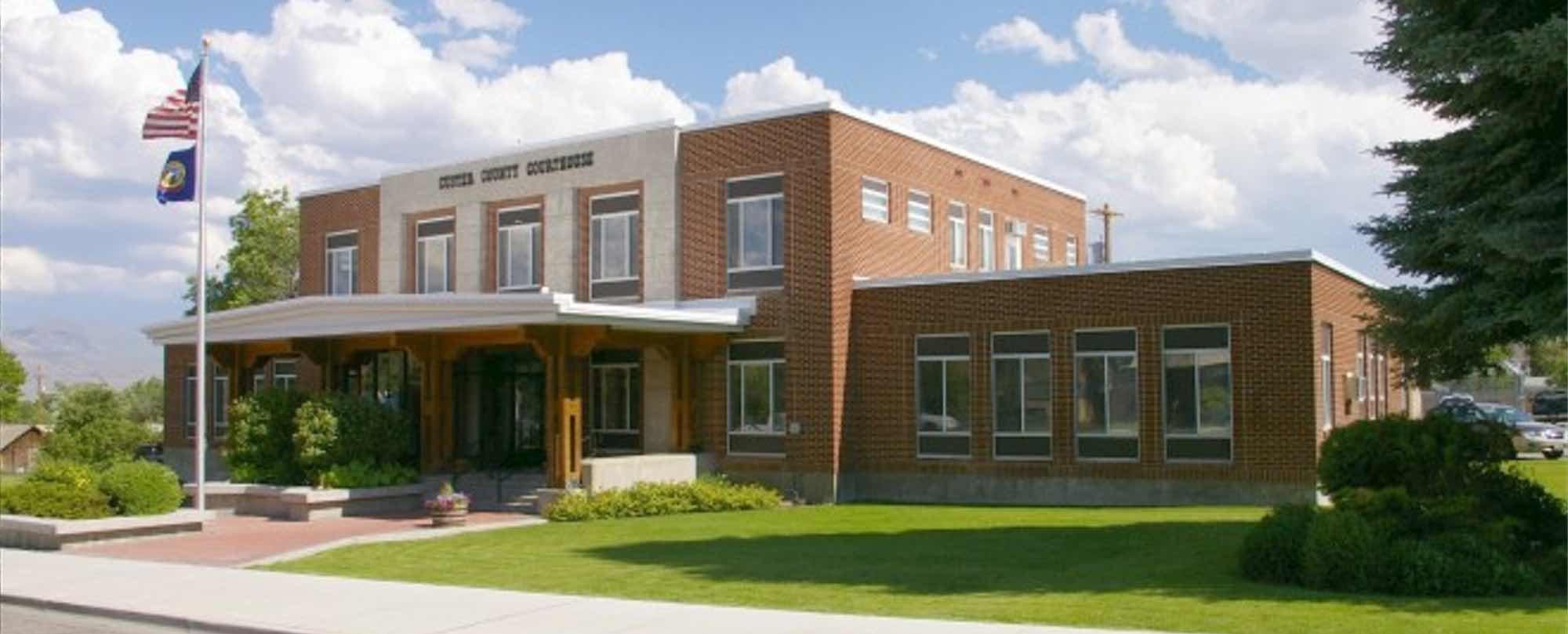 challis-idaho-courthouse-sawtooth-law